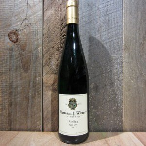 HERMANN J. WIEMER RIESLING SEMI-DRY 750ML